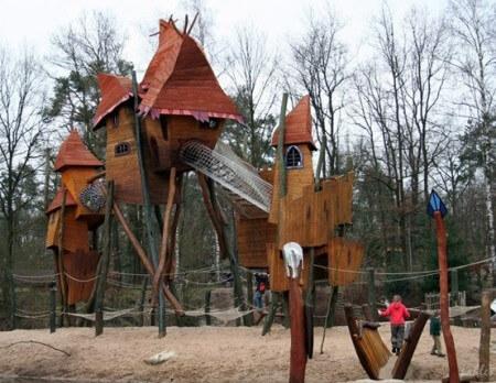Парк Fantasy Playground in Hoenderloo