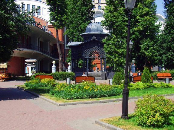 Сад Эрмитаж детская площадка
