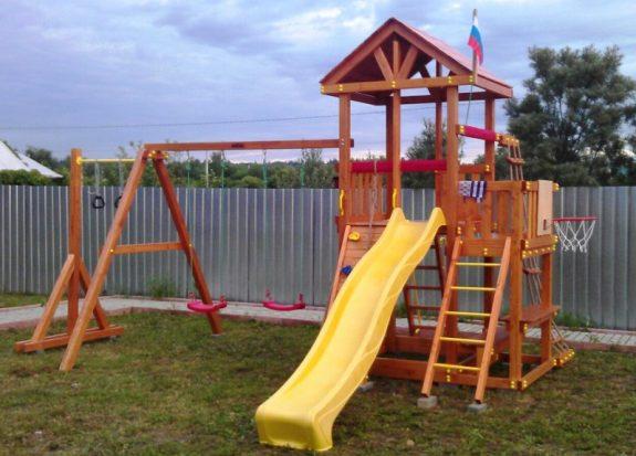 Сборка детской игровой площадки