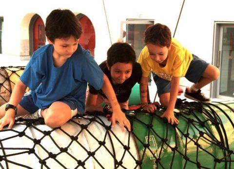 Детская площадка в парке PlayScape