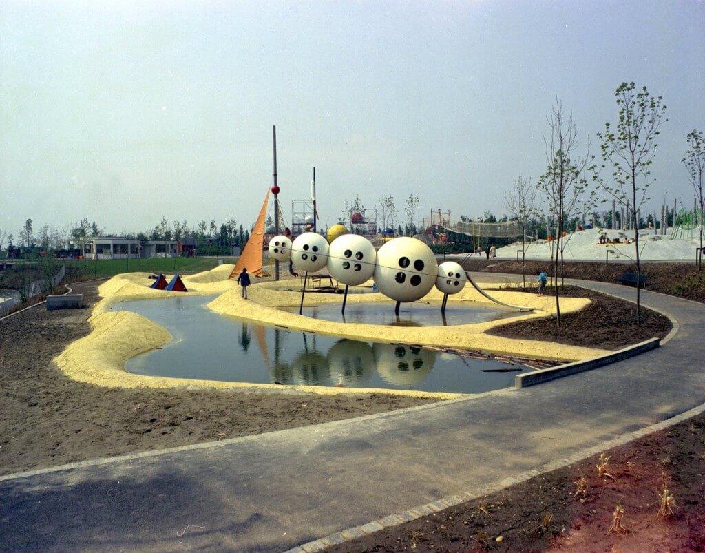 Детская площадка в центральном парке Вены