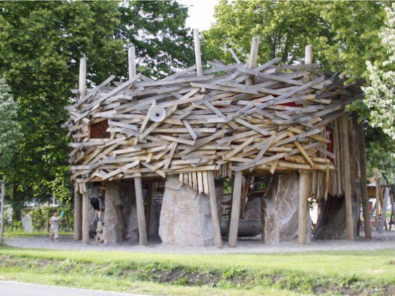 Детские площадки огромные гнезда